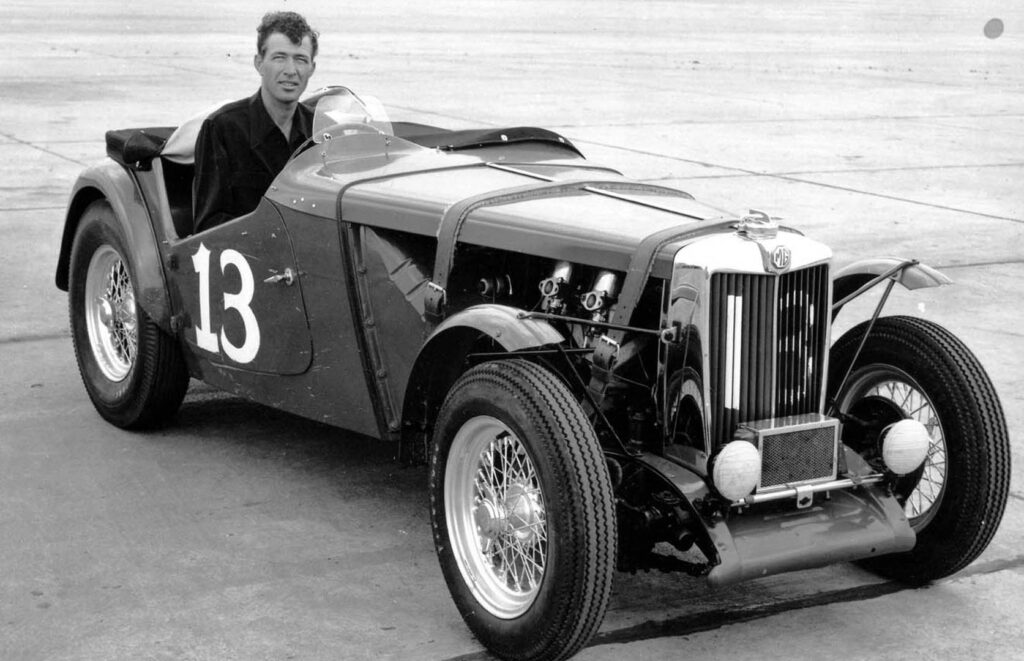 Carroll Shelby nella base dell'Air Force