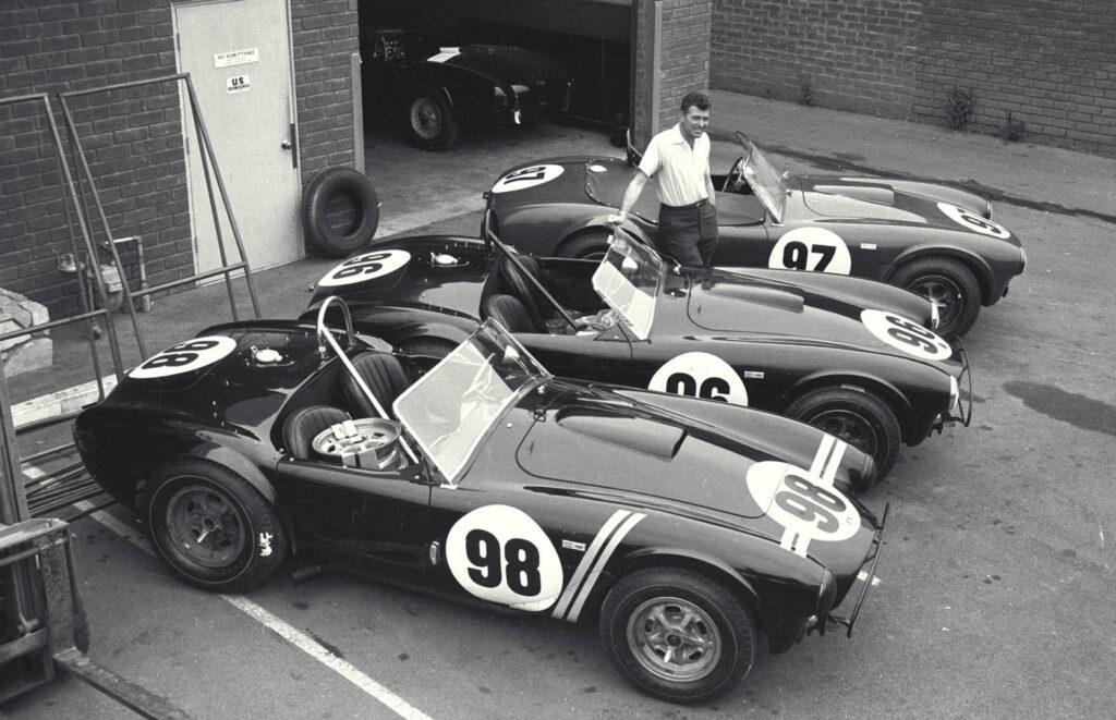 Carroll Shelby con Cobra