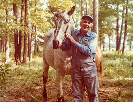 Carroll Shelby nella sua fattoria in Texas